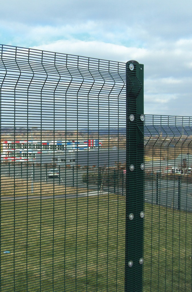 HIGH SECURITY MESH FENCING – SECUREGUARD+ | Barkers Fencing